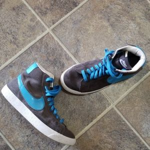 Nike gray blue casual high top shoes sz 5y or 6.5w